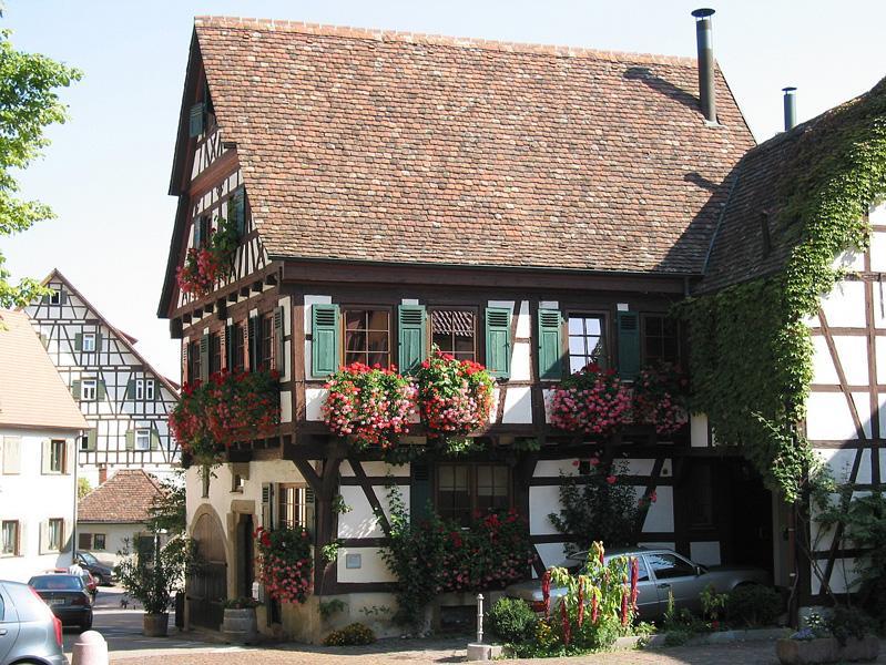 Privater Blumenschmuck in der Bietigheimer Altstadt