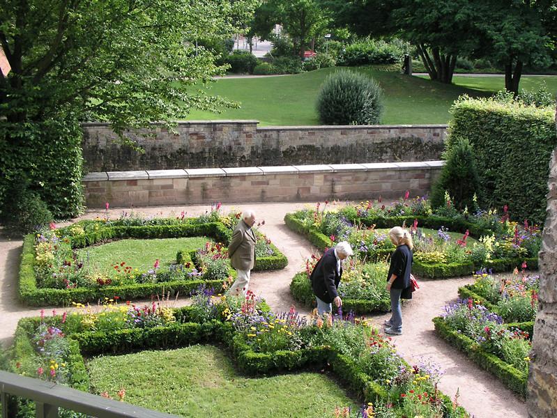 Barockgarten am Backhäusle an der südlichen Stadtmauer
